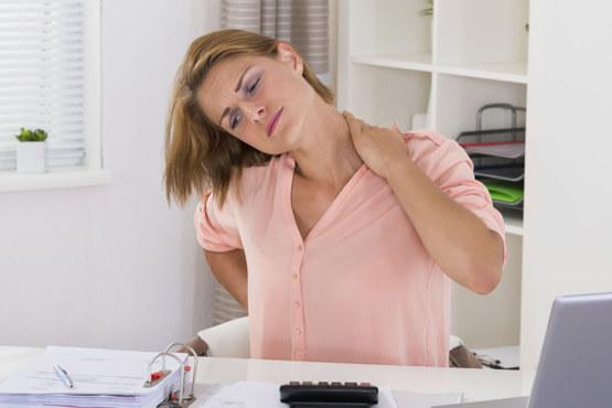 علت گرفتگی عضلات گردن چیست